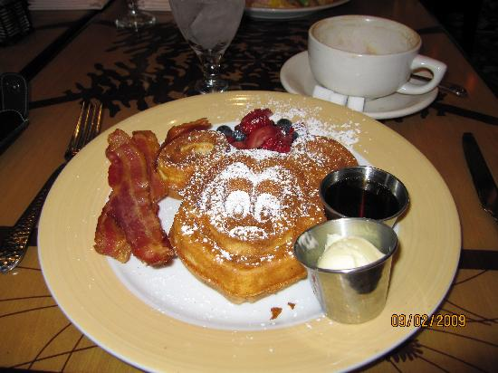Disney's Grand Californian Hotel & Spa: Breakfast at Storytellers
