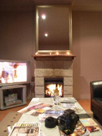 Spicers Vineyards Estate: Our lovely living area with our fireplace lite