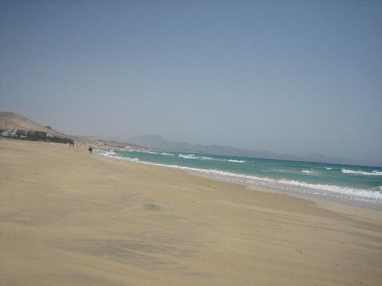 SBH Crystal Beach Hotel & Suites: la inmensa playa para pasear
