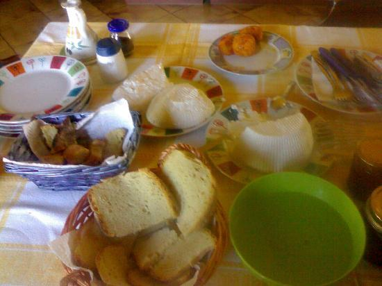 Santu Nicola Bed & Breakfast : colazione da re