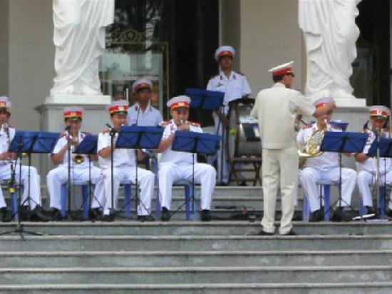 Saigon Opera House (Ho Chi Minh Municipal Theater): Part of the band