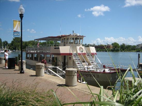 Miss Hampton II Cruises: The boat
