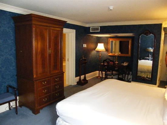 Prince of Wales: Premium King Room