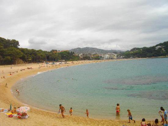 H·TOP Royal Beach: fenals beach from other end