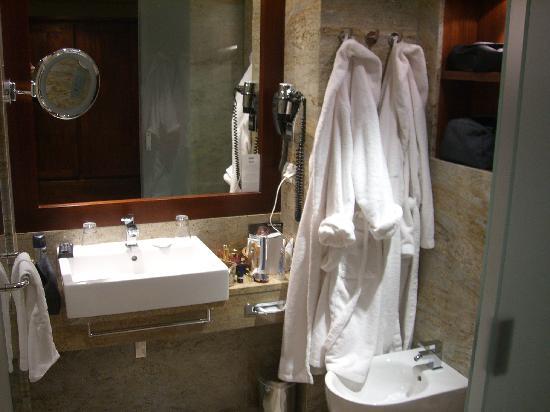 Hotel Spa Dr Irena Eris Krynica Zdroj : Bathroom