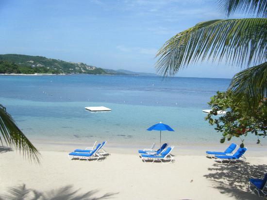 Round Hill Hotel & Villas: Ocean