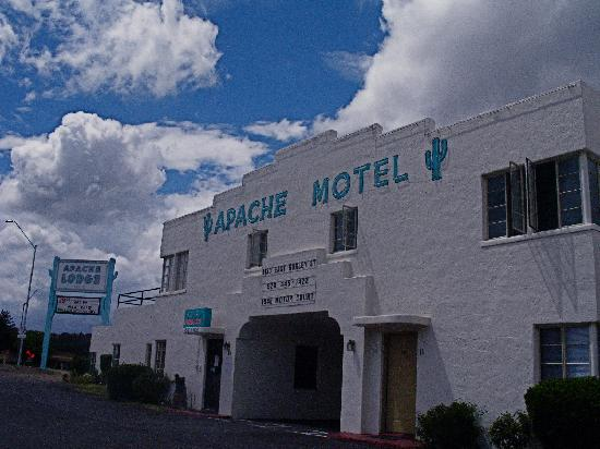 Apache Lodge: The Apache Motel