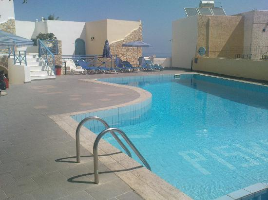 Piskopiano Village Apartments : Top pool with appartments around