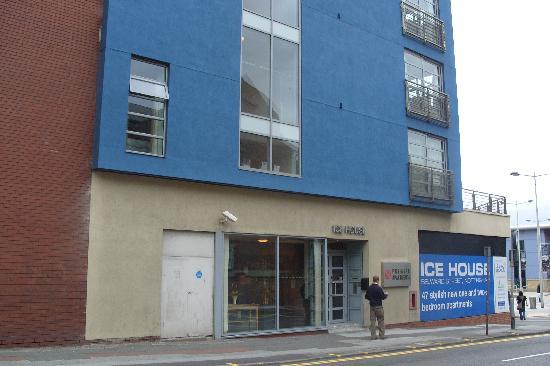 Premier Suites Nottingham: Entrance2