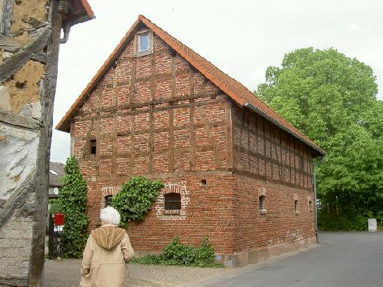 Lahntal, Jerman: Interesting old buildings in the area