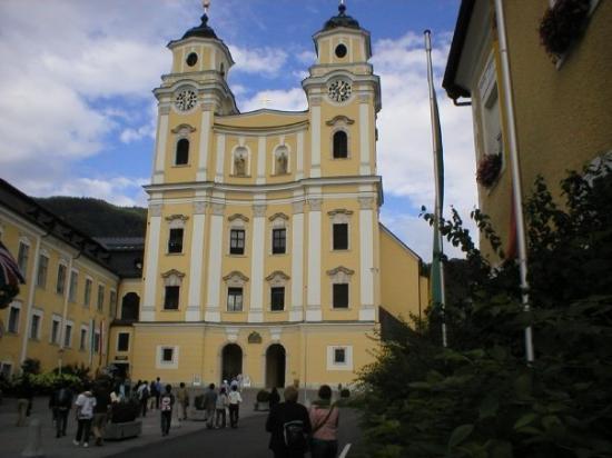 Panorama Tours Original Sound of Music Tour: Salzburg, Austria; where maria and the captn were married