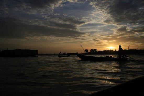 Cần Thơ, Việt Nam: Ninh Kieu port at dawnasa hayaku no Ninh Kieu minato