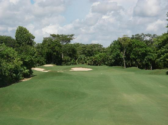 Playacar Golf Club: Opening Hole - Par 4
