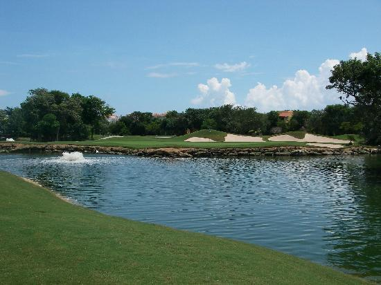 Playacar Golf Club : 9th Hole - Par 4
