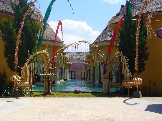 โรงแรมวิลล่า เซมินยัก เอสเตท แอนด์ สปา: The Lagoon Villas