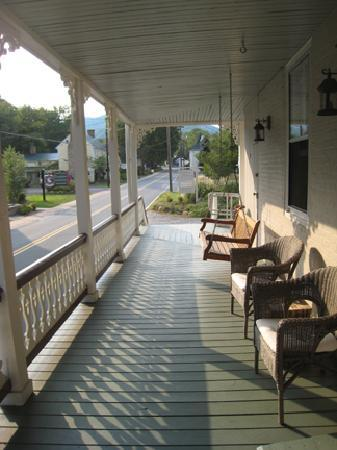 Hopkins Ordinary Bed & Breakfast: 1st floor terrace