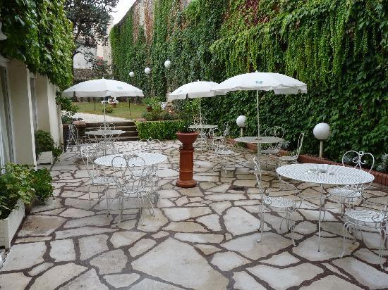 Ibis Styles Niort Centre Grand Hotel: terrasse de l'hotel