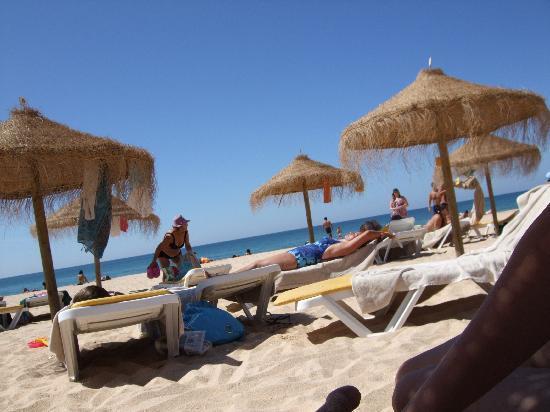 آز كاسكاتاس جولف ريزورت آند سبا: Beach