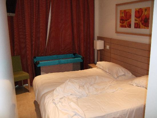As Cascatas Golf Resort & Spa: Double bed room