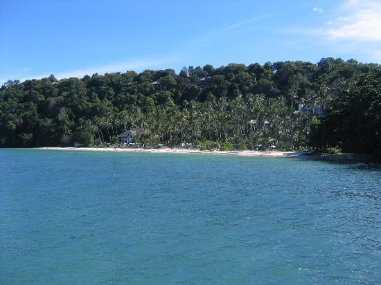 Cape Panwa Hotel: beach from pier