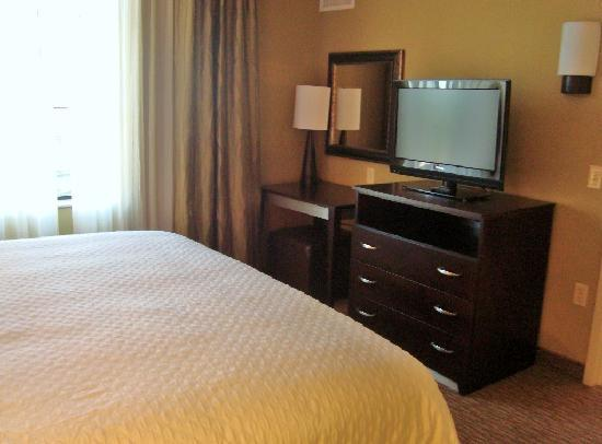 Embassy Suites by Hilton Minneapolis - North: Bedroom