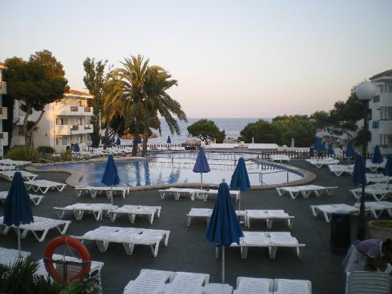 Inturotel Cala Azul Park: Evening view from restaurant