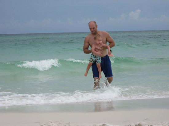 Destin West Beach and Bay Resort: What fun!
