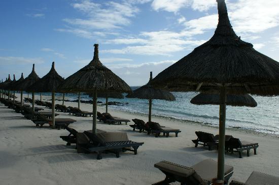 Belle Mare: Beach