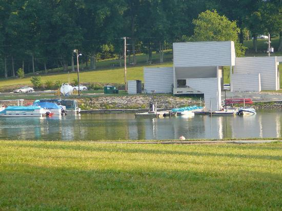 Kingsport, Теннесси: Paddle Boats & Marina area near Duck Island in Warrior's Path State Park