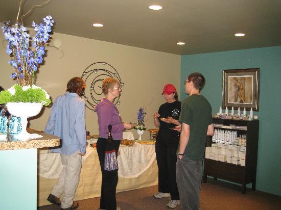 Soular Massage Wellness Center: Lobby