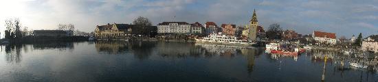 Hotel vis à vis: Lindau harbor