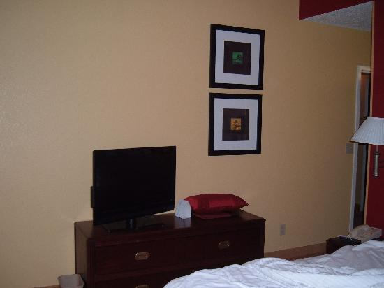 small flat screen tv for bedroom 2nd flat screen tv in bedroom area picture of courtyard 20864