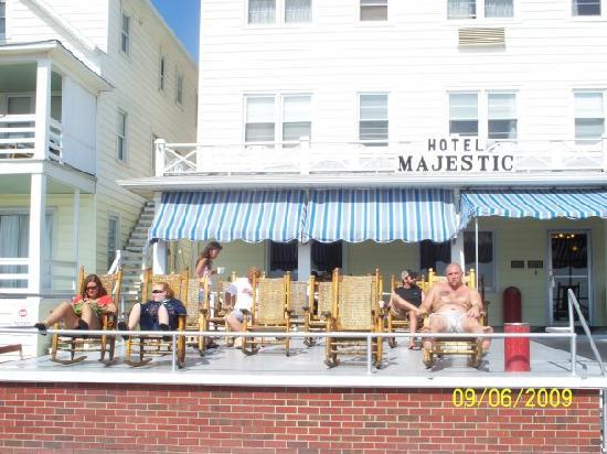 Majestic Hotel: The porch to the Hotel