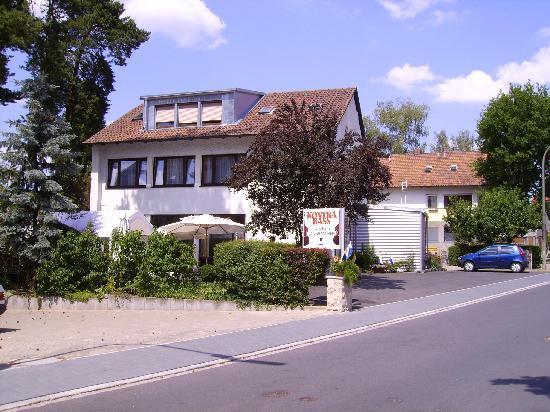 Hotel Gaestehaus Langhammer : Exterior view