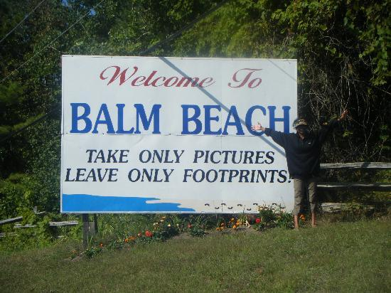 Balm Beach Resort: Entering Balm Beach