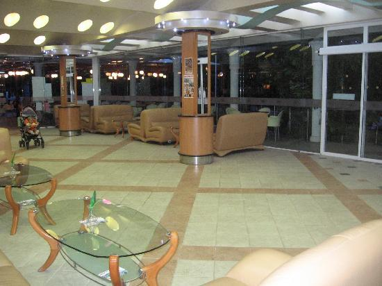Hotel Magnolia: reception area