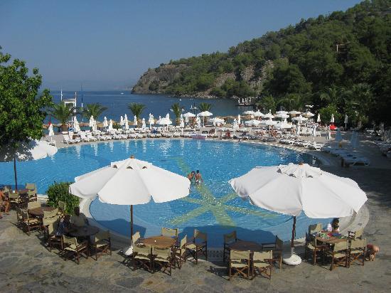 Hillside Beach Club : la piscine