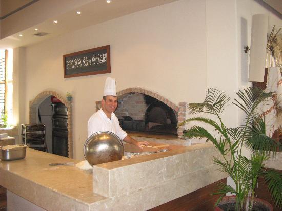 Hillside Beach Club : le chef au fourneau