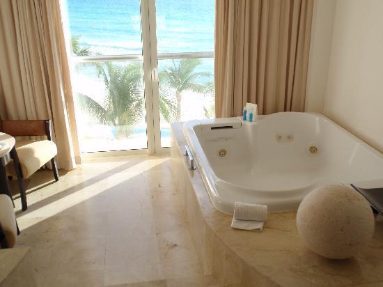 Le Blanc Spa Resort Cancun: jacuzzi