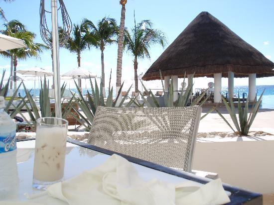 Le Blanc Spa Resort Cancun: breakfast