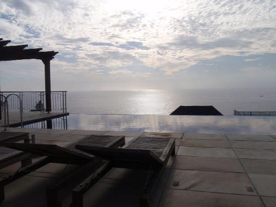 Compass House: View from the infinity pool