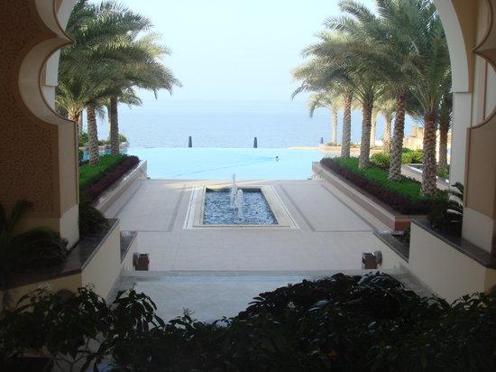 Shangri-La Al Husn Resort & Spa : Fabulous infinity pool