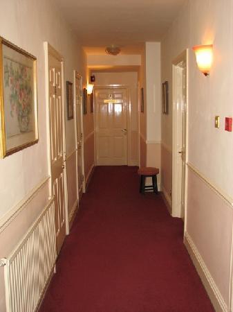 Beaumont Hotel: Hotel corridor