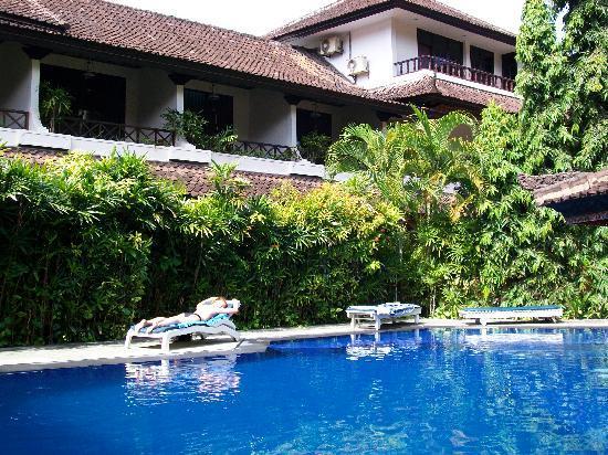 Ari Putri Hotel: Ari Putri pool & rooms