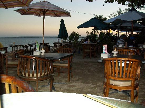 Ari Putri Hotel Beach Restaurants Nearby