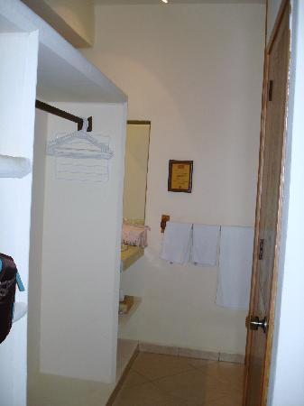 Casa Pan de Miel: closet