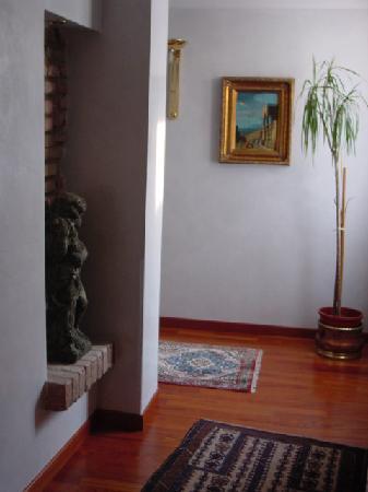Majestic Hotel Toscanelli : Hallway