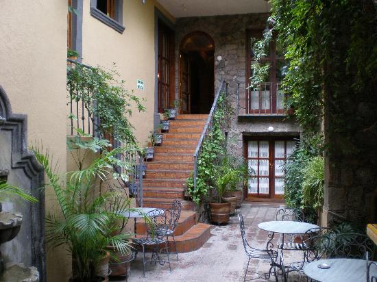 Casa Calderoni Bed and Breakfast: Interior Courtyard