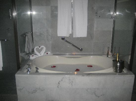 Iberostar Grand Hotel Rose Hall: you can order a bubble bath any time for no charge