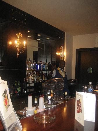 Iberostar Grand Hotel Rose Hall: lobby bar